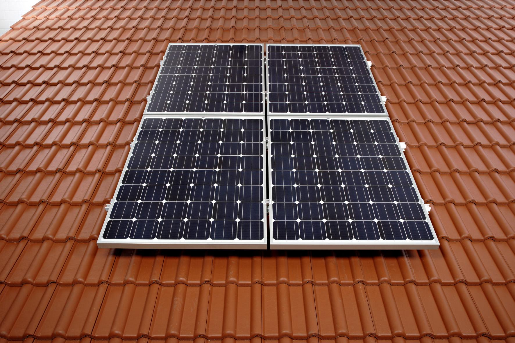 strom von der eigenen photovoltaik anlage optimal nutzen. Black Bedroom Furniture Sets. Home Design Ideas