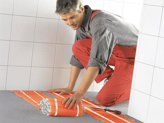 Elektrische Fußbodenheizung ist perfekt fürs Bad - ENERGIE ...